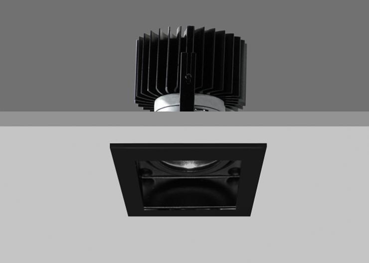 Quad X86 - Black Trim / Black Interior